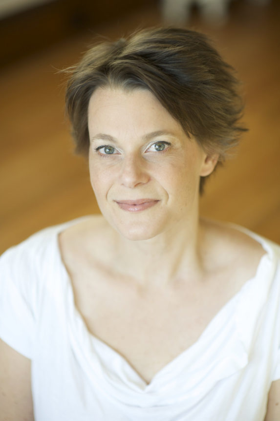 Kristen-van-Ginhoven-WAM-Theatre_Robin-Catalano-brand-blogger