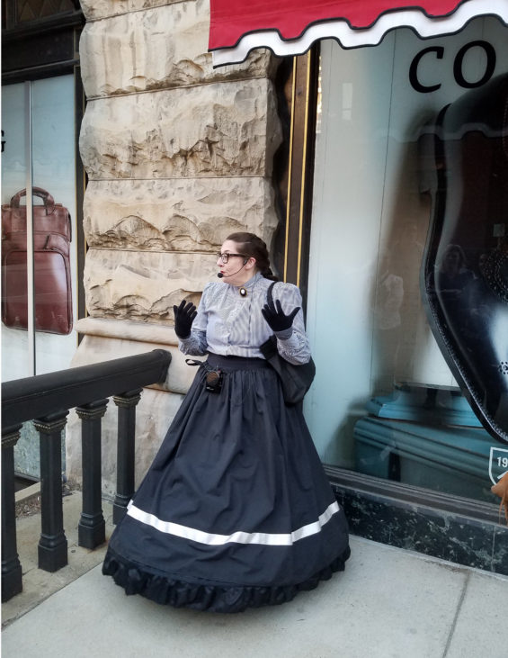 Robin Catalano blogger copywriter travel and tourism gothic milwaukee 2