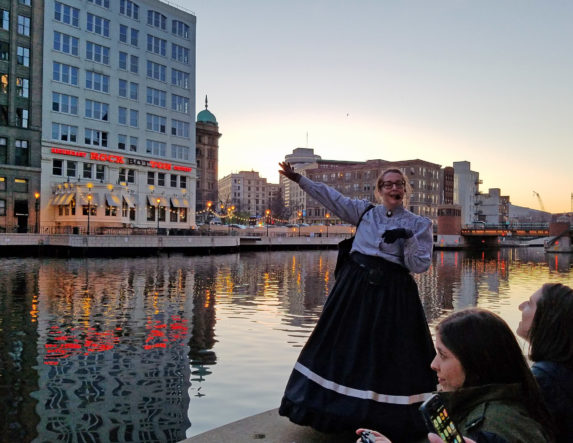Robin Catalano blogger copywriter travel and tourism gothic milwaukee 3