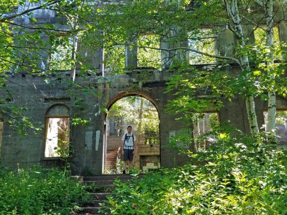 overlook_mountain_house_ruins_3_woodstock_robin_catalano_travel_blogger
